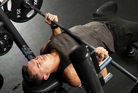 développé-couché pour les triceps